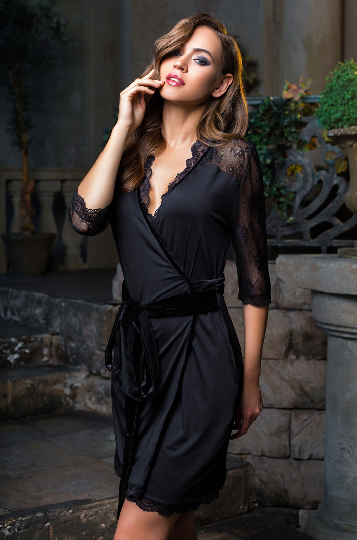 58e225e18d55 elegance de lux. Артикул: 12033. Короткий халат MiaMia ...